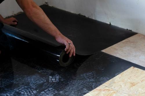 insulMass 3.5 akoestische isolatie op houten vloer